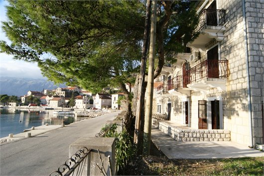 Renovated Waterfront Apartment in Perast
